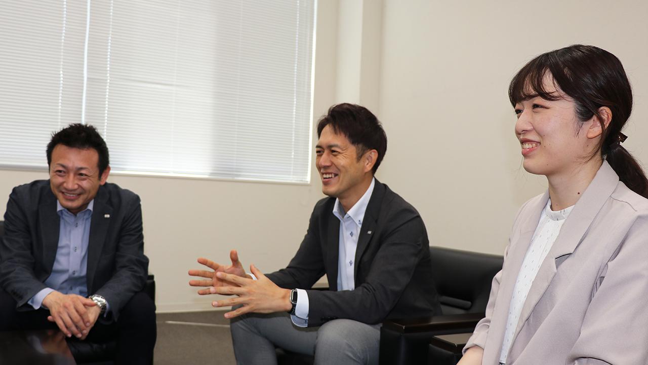 渡邊様と菊田様と柴田様で会話されている様子