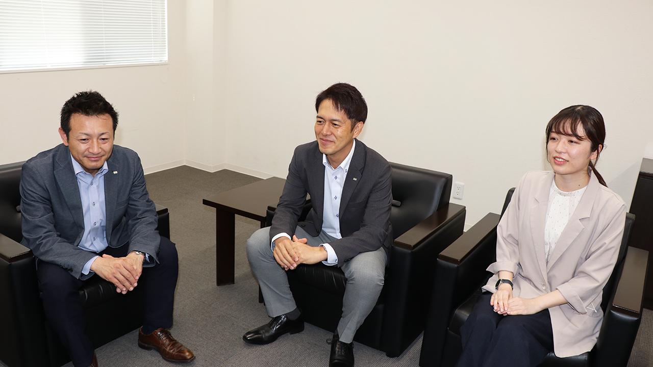 渡邊様と菊田様と柴田様が会議室に集まられている様子